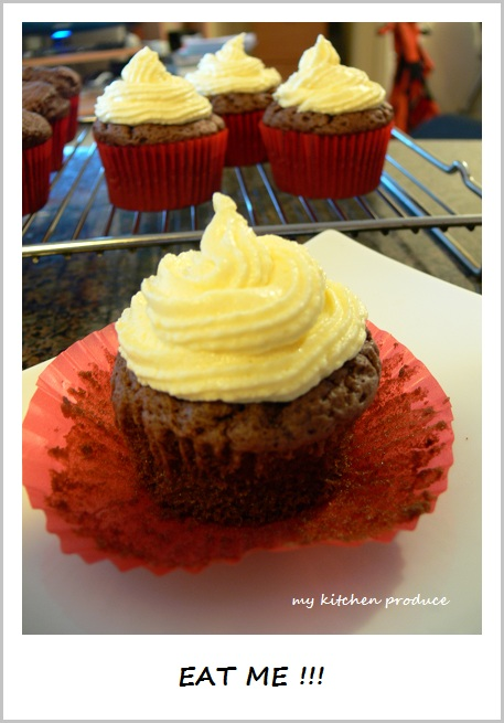 EAT ME !!! - Chocolate Cupcake with Cream Cheese Frosting